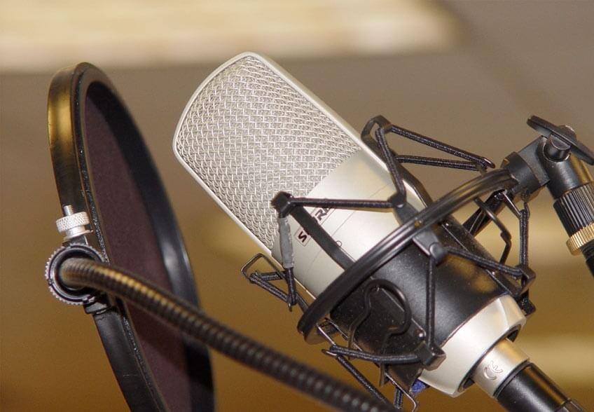 LA DIFICIL SENCILLEZ DE ESCRIBIR un spot de radio creativo!!!