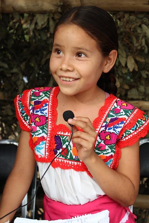Un Argentino en Educación Indígena; Piden su Salida