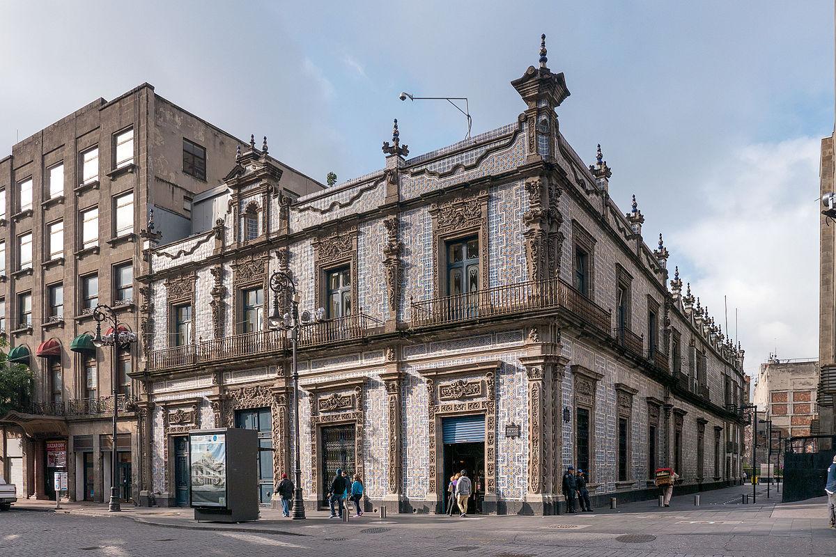 LA CASA DE LOS AZULEJOS, UN ÍCONO DE LA CIUDAD